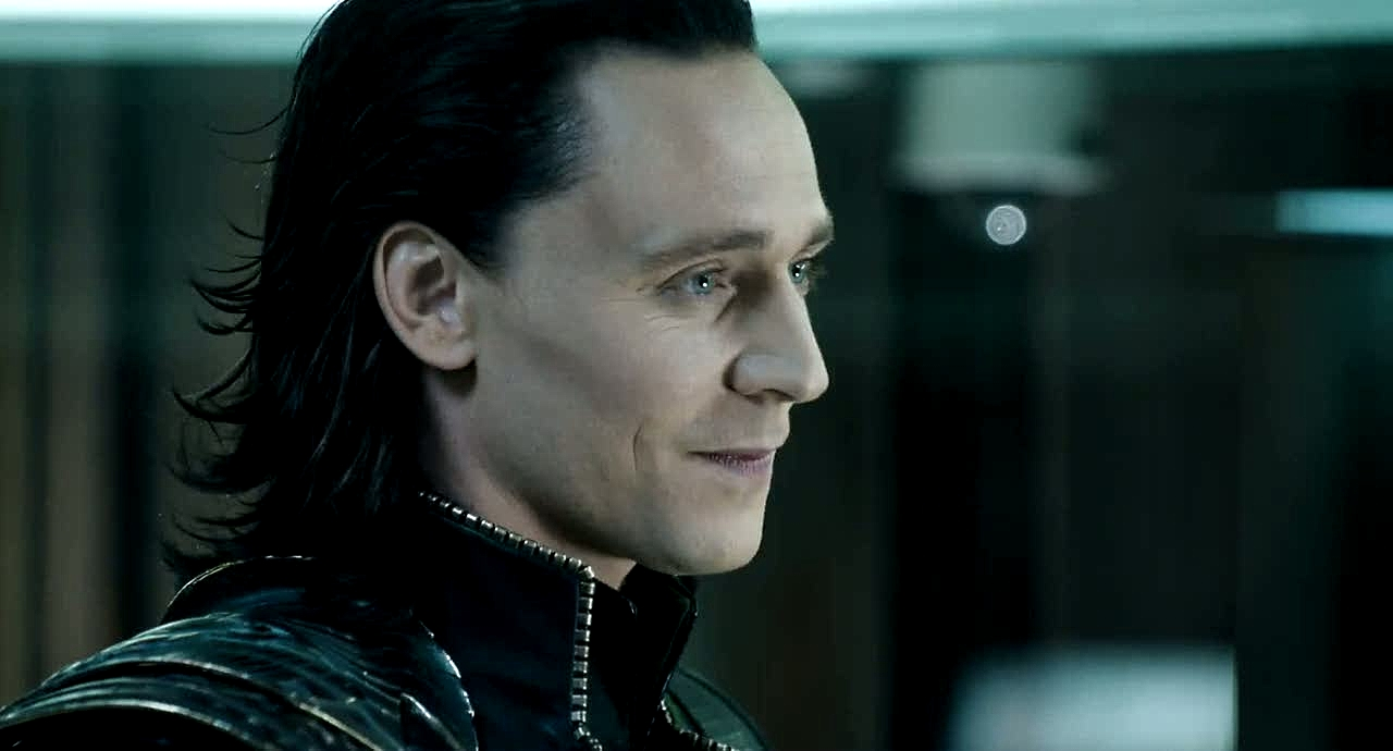 14 loki tom hiddleston