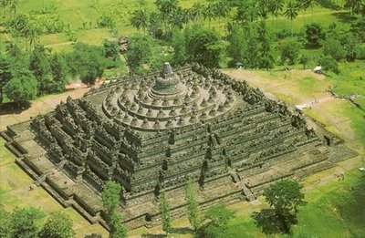 2 -Ten Temples 5 Borobudur Indonesia WQ
