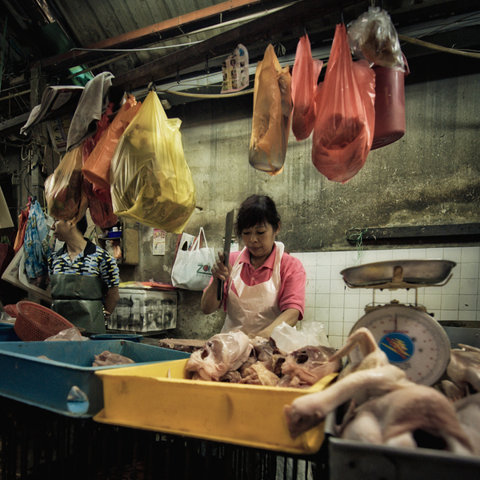 asian-woman-asian-market-butcher
