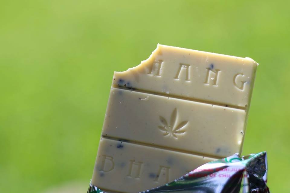 hemp-white-chocolate-with-marijuana