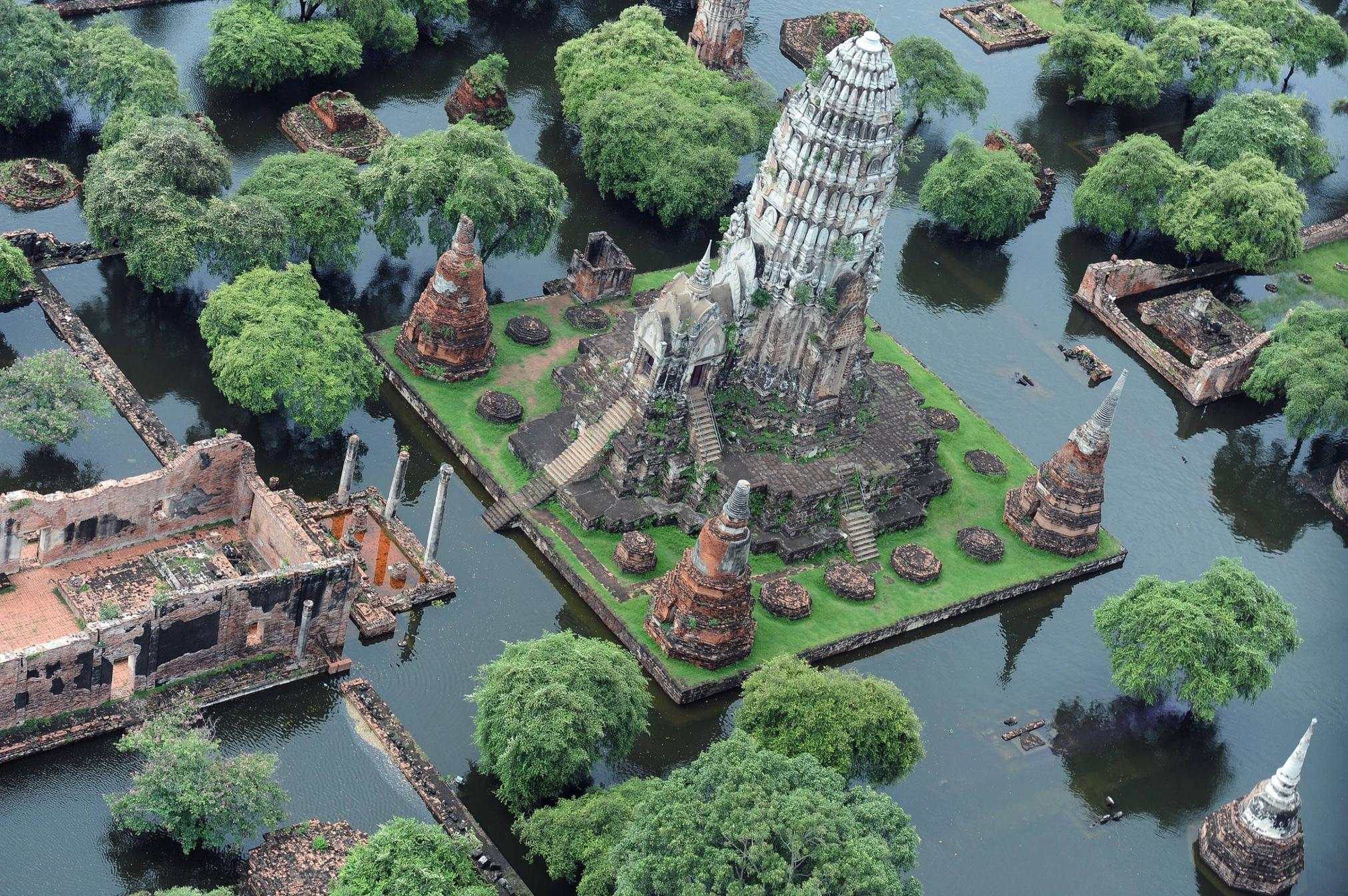 1 Thai Temple Flooded  LIBERTY INFINITY